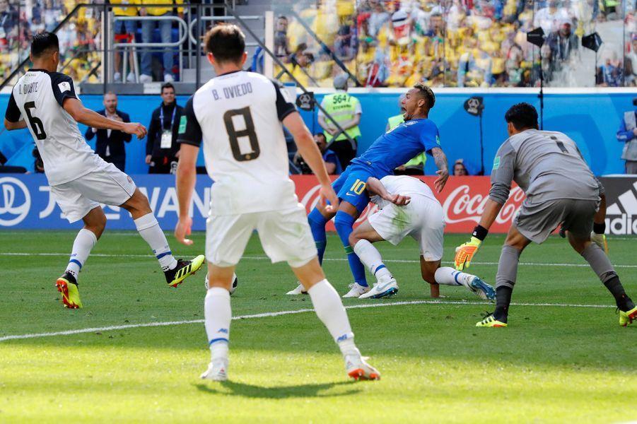 Neymar a eu parfois du mal à contrôler ses émotions sur le terrain.