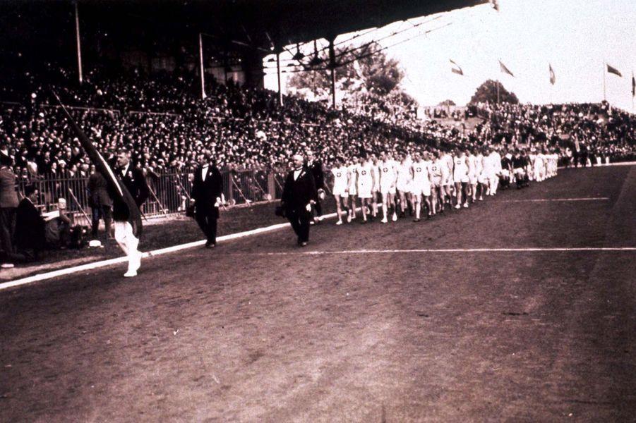 L'équipe suisse défile à la cérémonie d'ouverture.