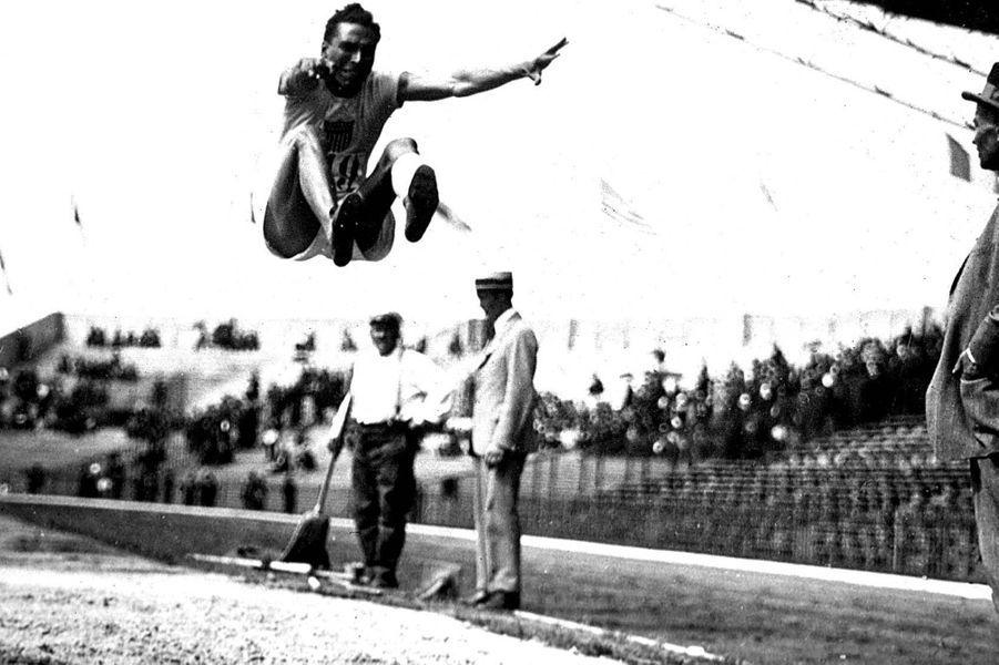 Le sauteur Gourdin, 1924.