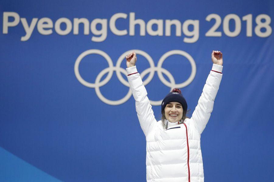 Perrine Laffont sur la plus haute marche du podium.