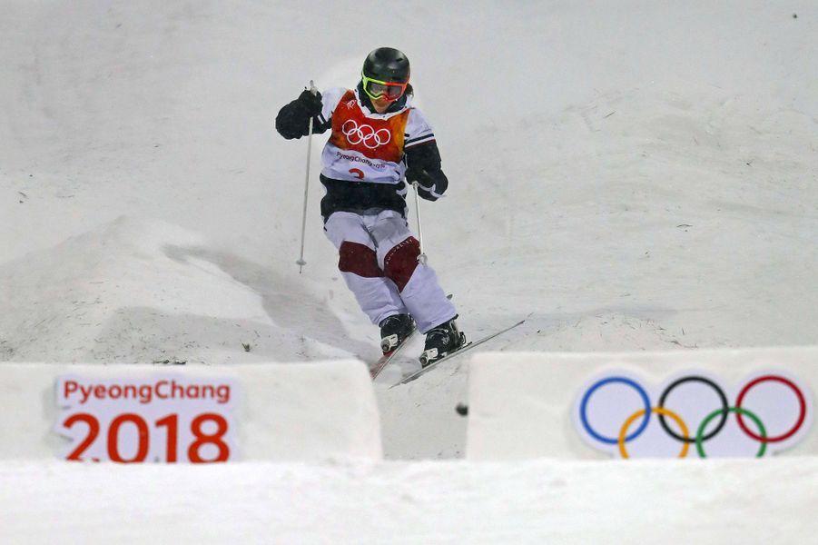 Perrine Laffont est devenuechampionne olympique de ski acrobatique sur l'épreuve des bosses.