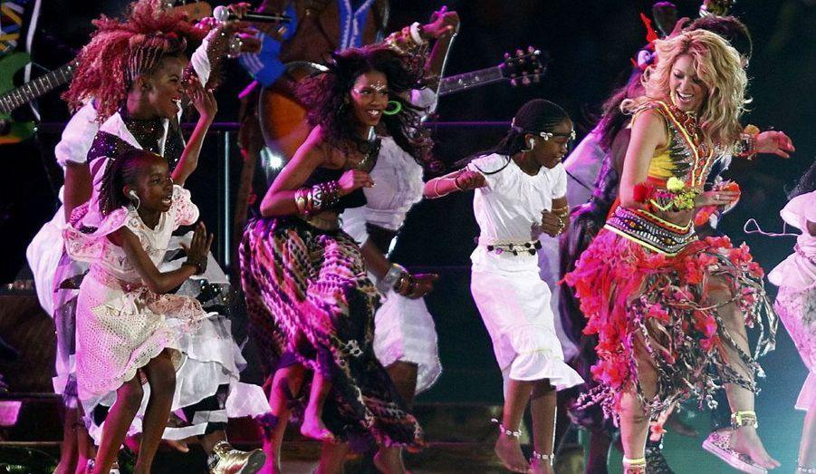 Avant le coup d'envoi, Shakira a fait danser le Soccer Stadium de Johannesburg avec la Waka Waka.