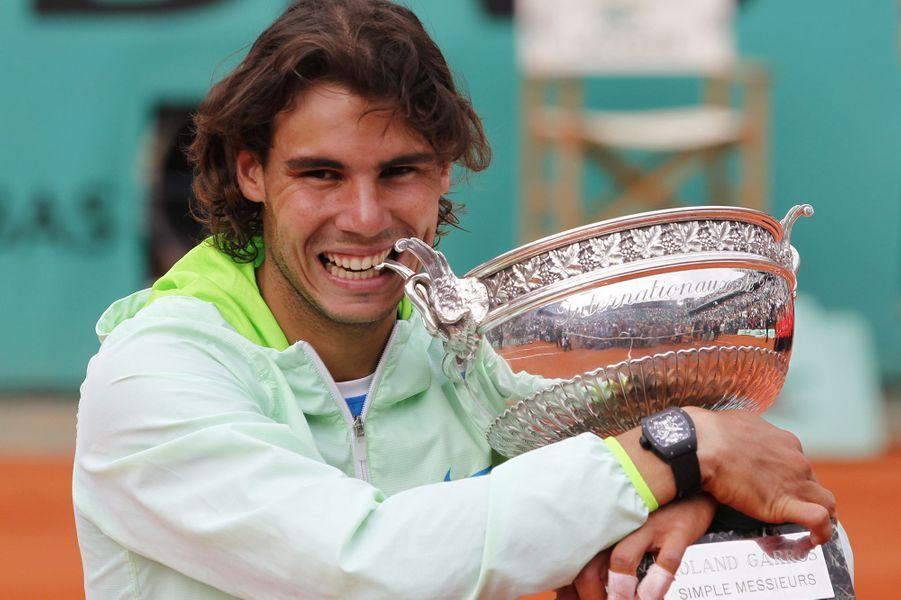 Rafael Nadal et son cinquième titre à Roland-Garros, en juin 2010.