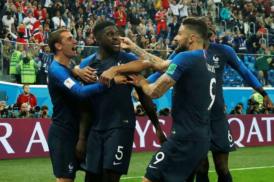La liesse des Français après le but de Samuel Umtiti