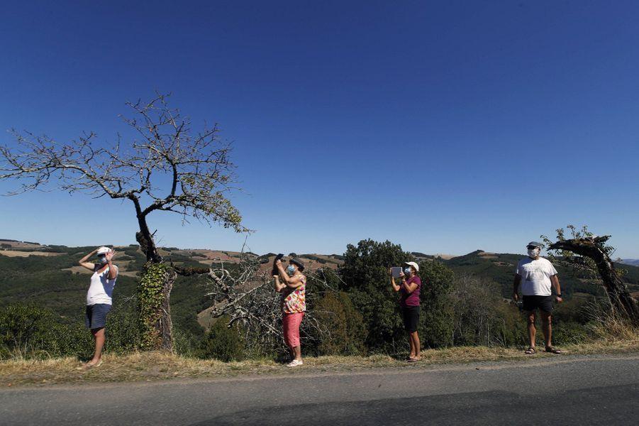 Distanciation physique sur l'étape reliant Millau à Lavaur, le 4 septembre.