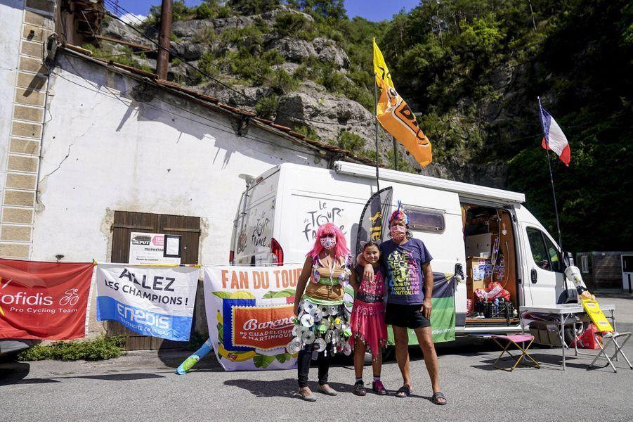 Des spectateurs, le 30 août, durant l'ascensiondu Col de Turini.