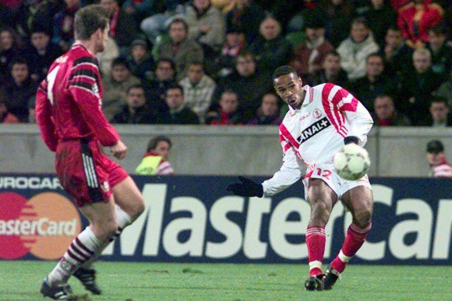 Thierry Henry sous le maillot monégasque.