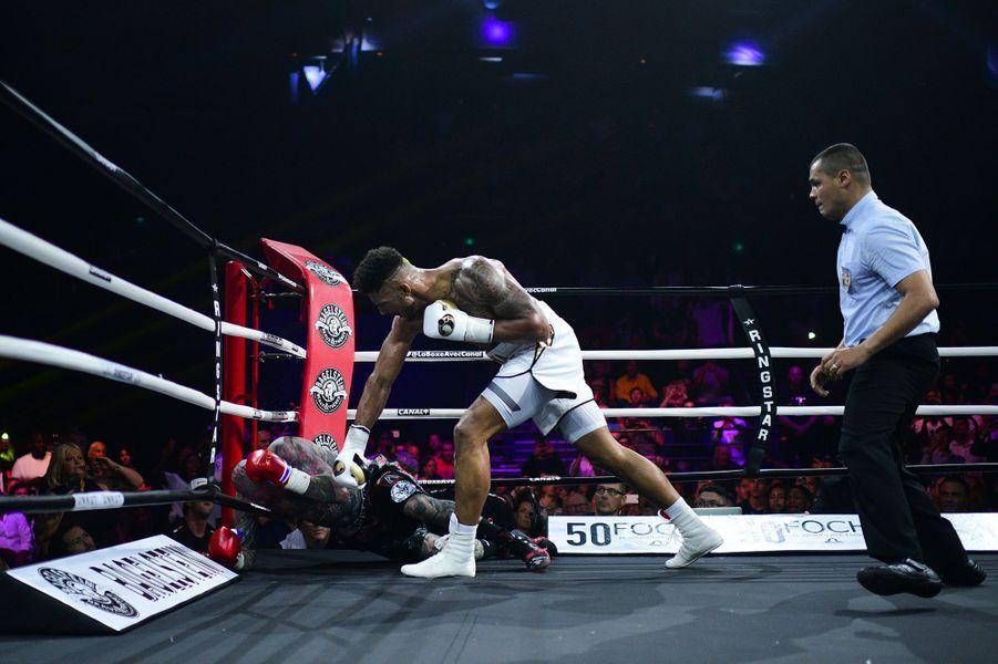 Tony Yoka a envoyé son adversaire au tapis à deux reprises dans le deuxième round.