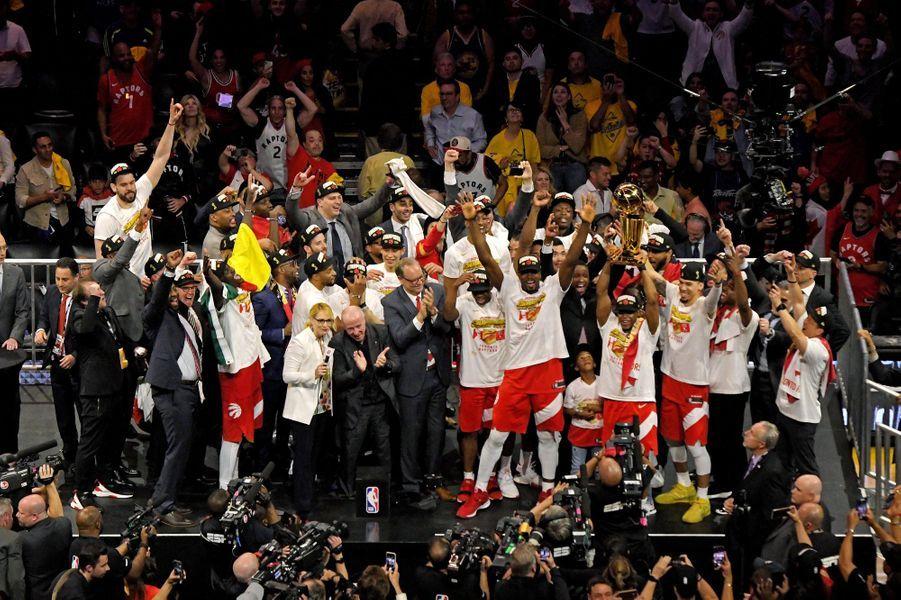 L'équipe des Raptors lors de la remise des trophées
