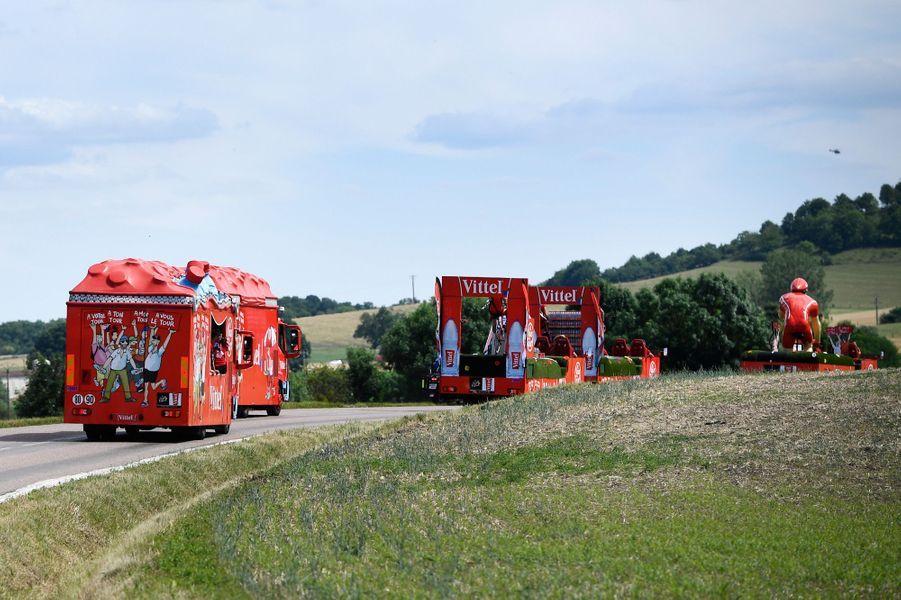 La caravane de la marque Vittel sur l'étape Mondorf-les-Bains - Vittel.