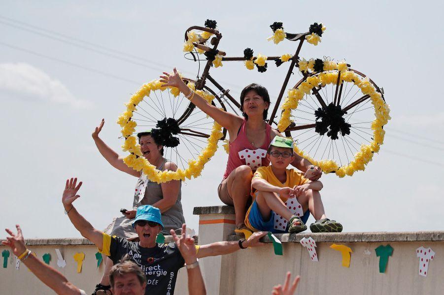 Le Tour chaleureusementaccueillisur les routes de la septième étape entre Troyes et Nuits-Saint-Georges.