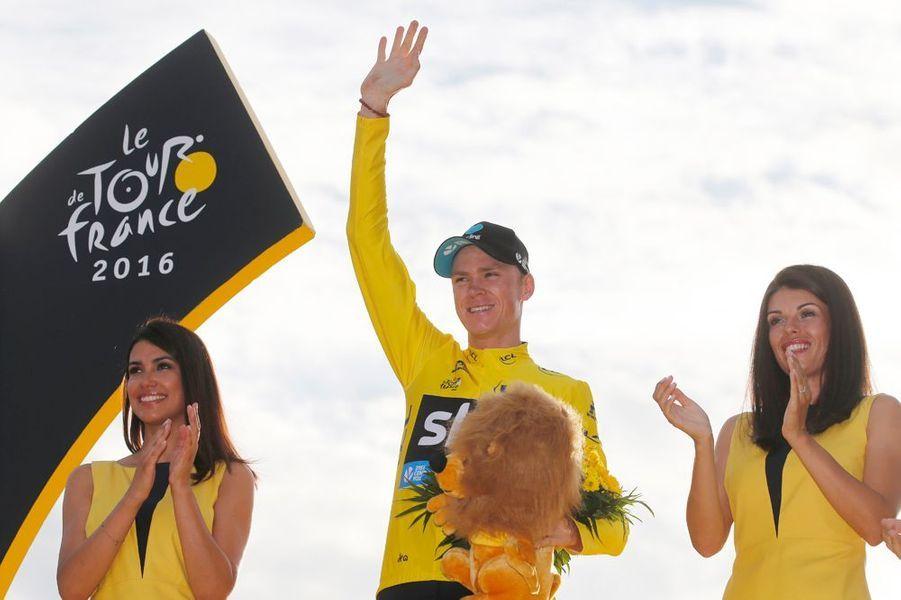 Chris Froome sur la plus haute marche du podium