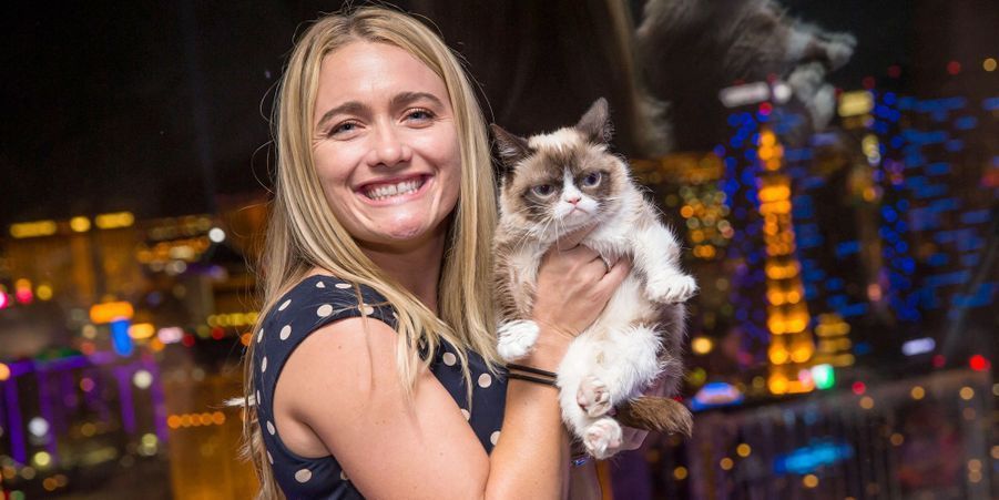 Grumpy Cat et Tabatha, sa maîtresse devenue multi-millionnaire