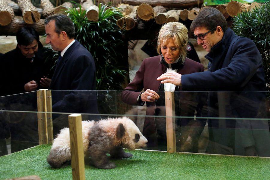 A 4 mois, avec Brigitte Macron