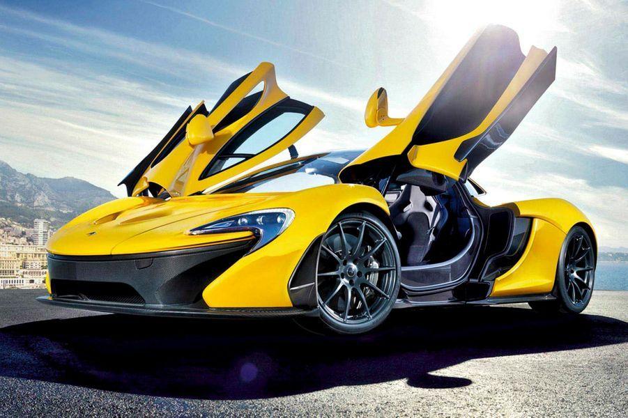 Pour sa première apparition au Mondial de Paris, l'an passé, McLaren a marqué les esprits en présentant le projet P1, une supercar hybride de 916 ch dont l'ambition est « simplement » d'être la voiture la plus rapide du monde sur circuit. Vendue 1 million d'euros, la « Position One » ne sera fabriquée qu'à 375 exemplaires, d'ores et déjà réservés.