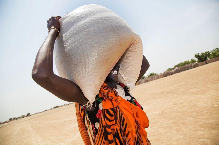 Distribution de nourriture à Ganyiel dans la région de Panyijiar au Sud Soudan le 4 mars 2017