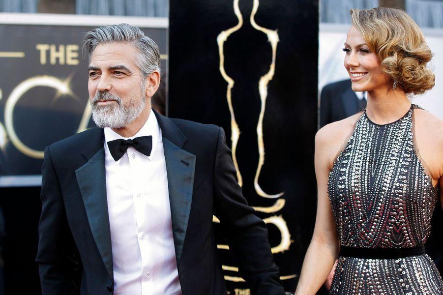 En juillet dernier,«People» a révélé que l'acteur et la belle blonde avaient rompu. Selon la source citée par le magazine, c'est Stacy qui a pris l'initiative de mettre fin à leur relation de deux ans.
