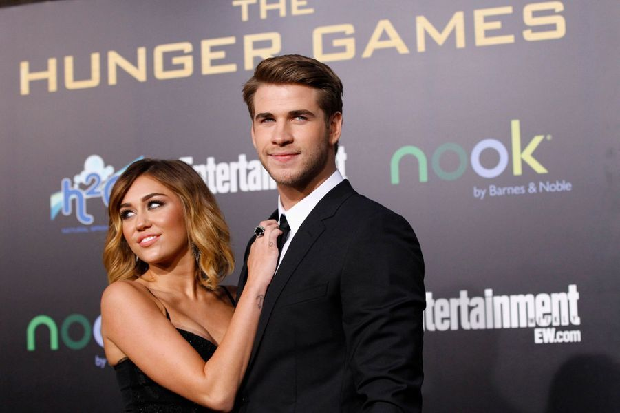Après des semaines de rumeurs, l'ex couple star des ados a fini par confirmer leur rupture, après trois ans de relation. Depuis, Miley Cyrus multiplie les provocations -sur scène comme en dehors.