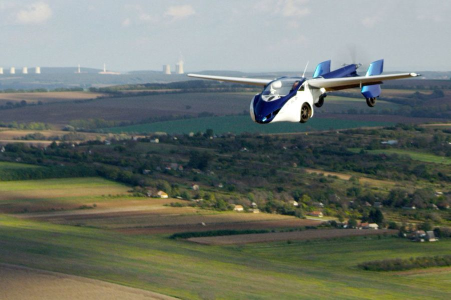 """L'""""AeroMobil 3.0"""" est dotée de deux places"""
