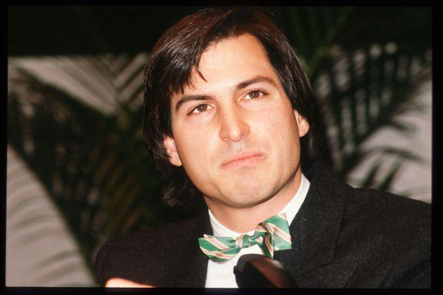 1985. Steve Jobs est écarté de la direction d'Apple et finit par quitter l'entreprise.