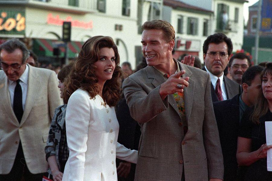 En 1986, il épouse Maria Shriver (ici en 1994)