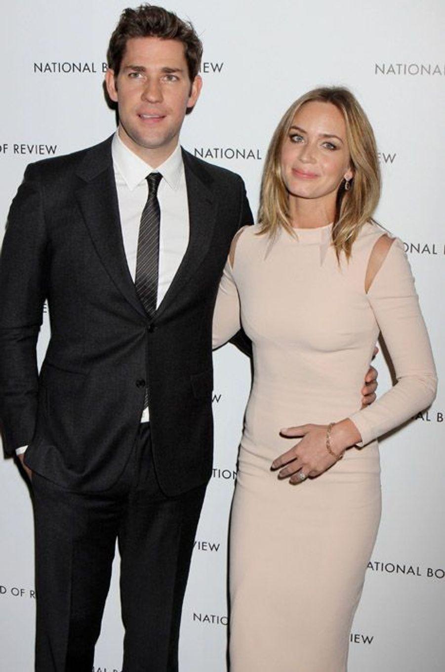 Emily Blunt, en couple depuis cinq ans et mariée depuis trois à John Krasinski, est enceinte de son premier enfant.