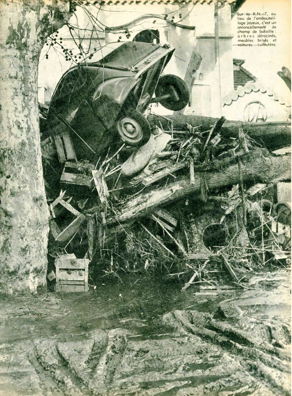 « Sur la R.N. 7, au lieu de l'embouteillage joyeux, c'est un amoncellement de champ de bataille : arbres déracinés, meubles brisés et voitures culbutées.» - Paris Match n°557, 12 décembre 1959.
