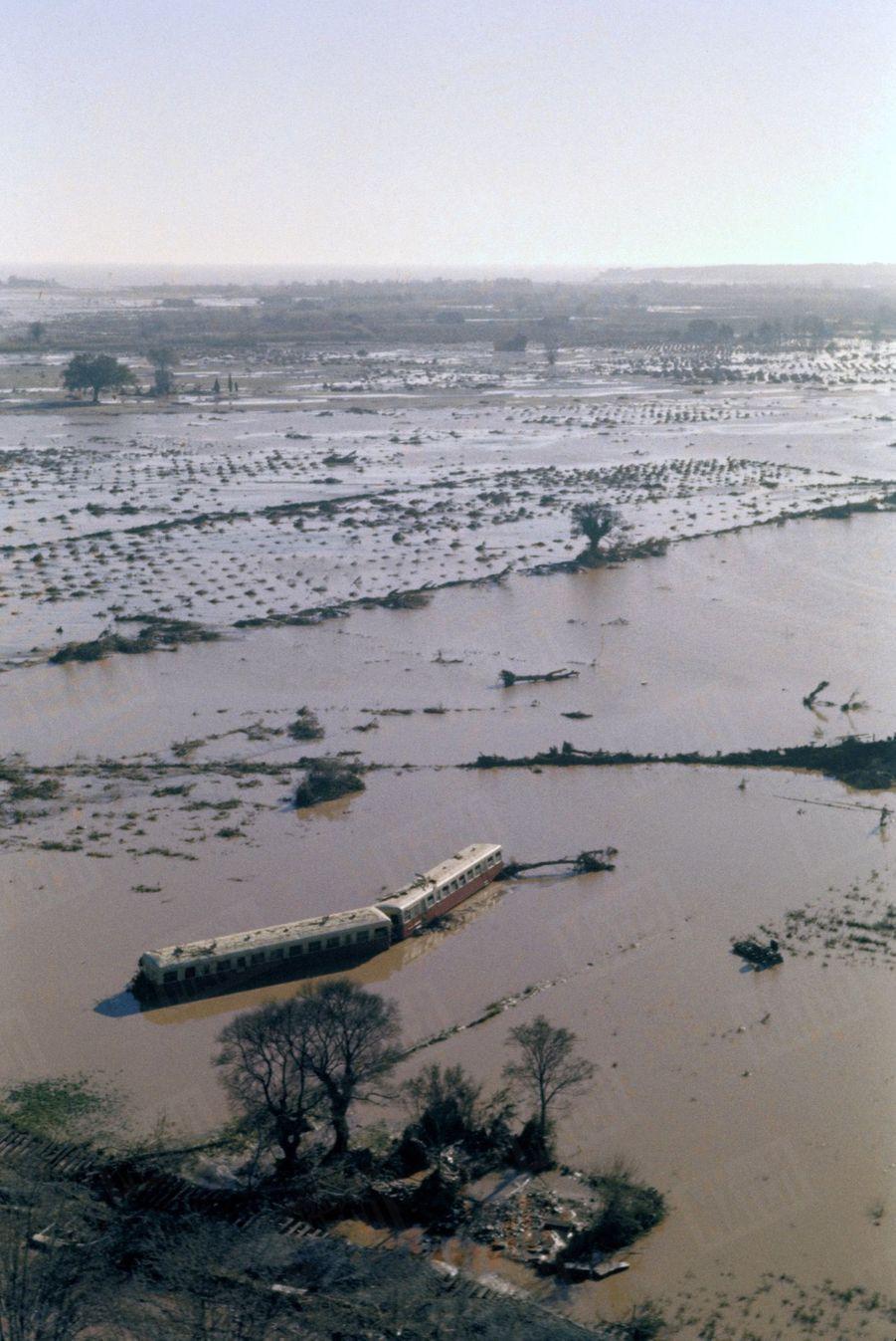 La rupture du barrage de Malpasset à Fréjus, qui a fait 423 morts le 2 décembre 1959.