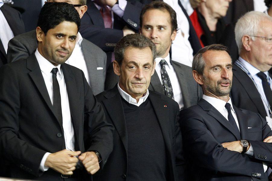 Le président du PSG Nasser al-Khelaifi et Nicolas Sarkozy au Parc des Princes pour le match PSG-Barcelone