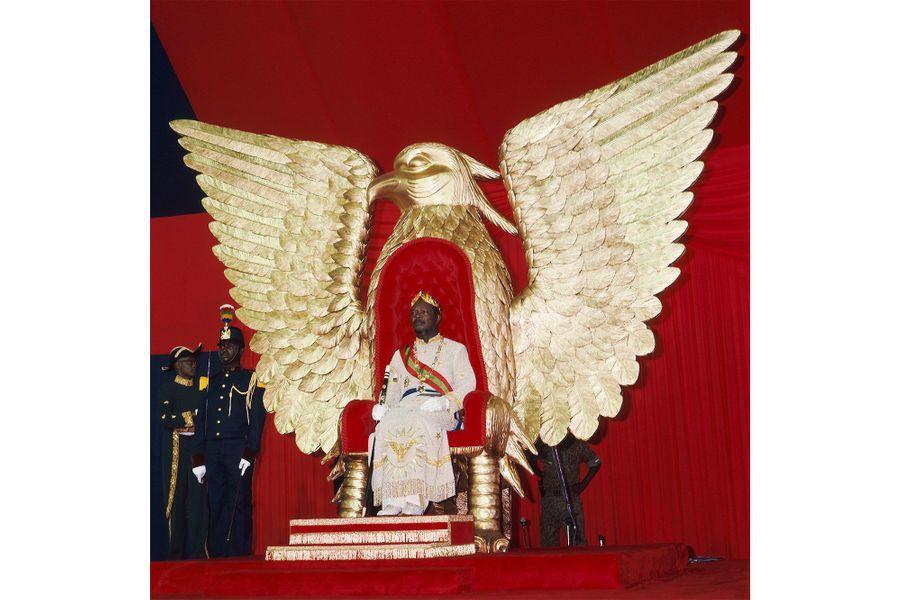 Le sacre de Jean Bedel BOKASSA au stade omnisport de Bangui le 4 décembre 1977