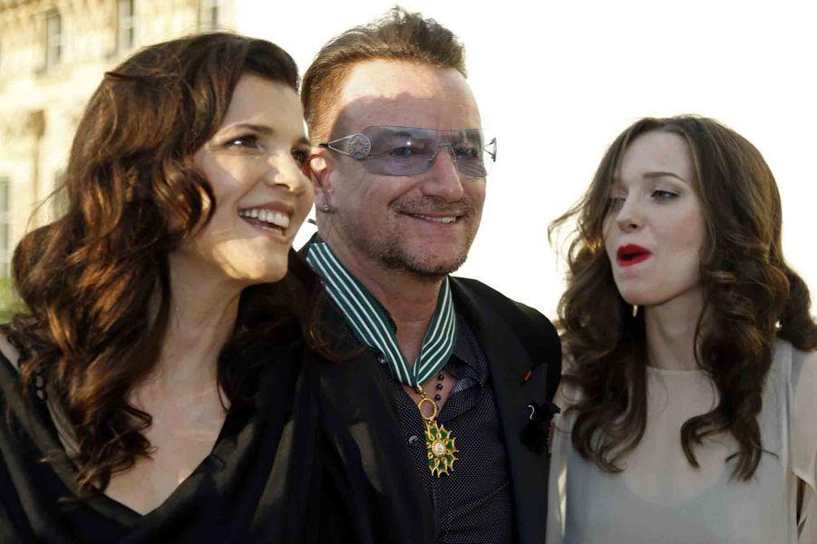 En famille, avec sa femme Ali Hewson et leur fille Eve