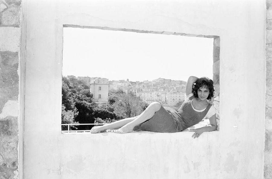 "Gina Lollobrigida lors du tournage du film ""La loi"" en août 1958"