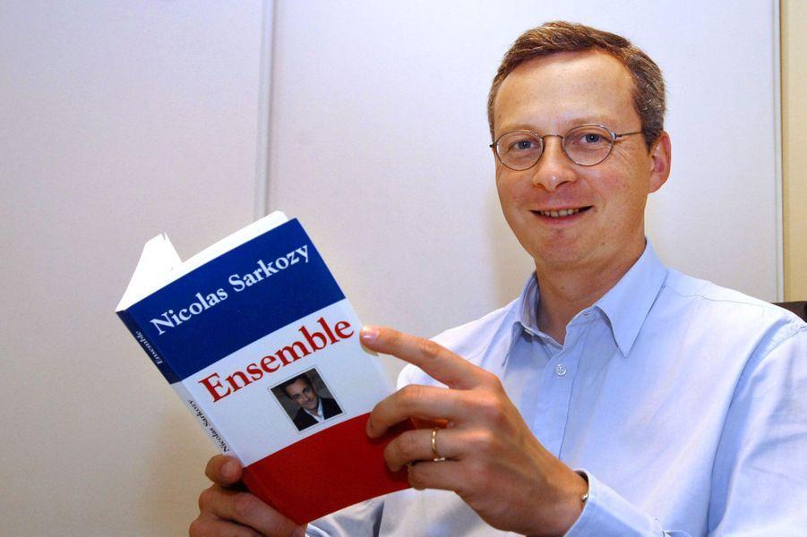 Bruno Le Maire lit le livre de son rival d'aujourd'hui, Nicolas Sarkozy, en mai 2007