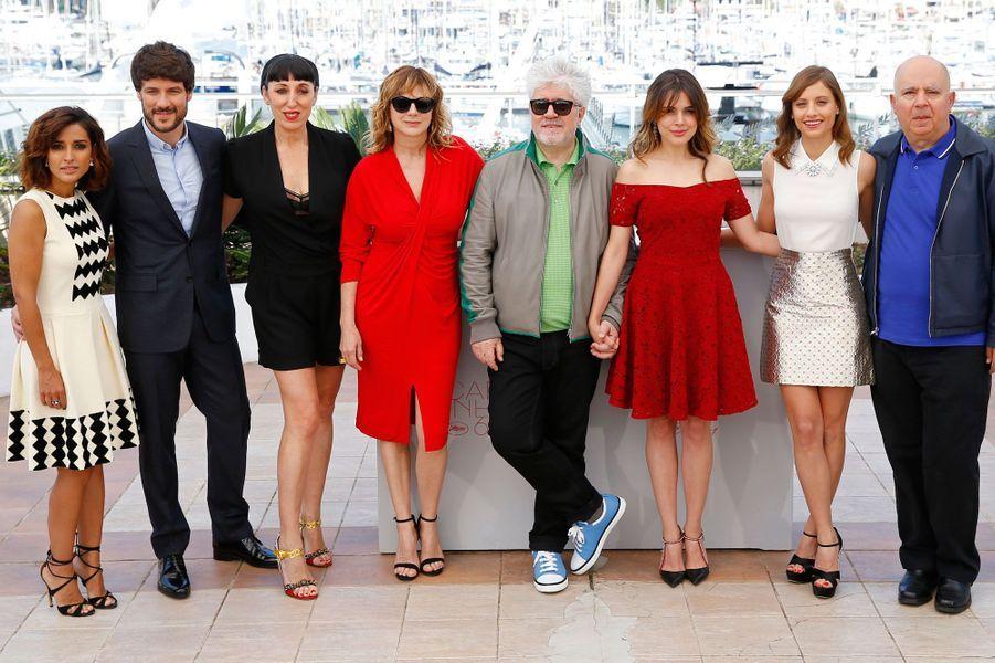 """L'équipe du film """"Julieta"""" au Festival de Cannes"""