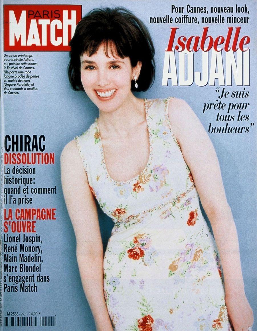 """""""Isabelle Adjani. Pour Cannes, nouveau look, nouvelle coiffure, nouvelle minceur : 'Je suis prête pour tous les bonheurs.'"""" - Paris Match n°2501, daté du 30 avril 1997"""