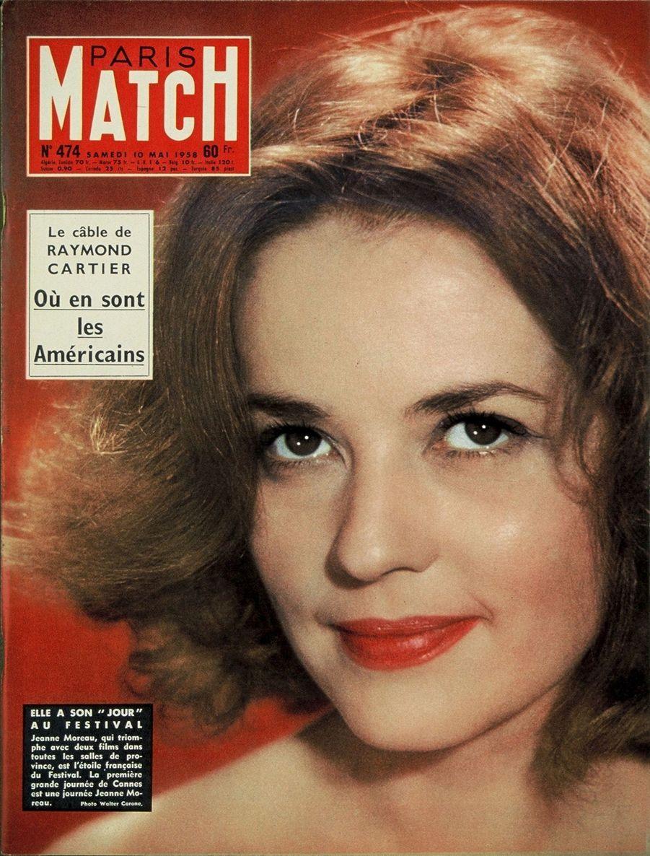 """""""Elle a son 'jour' au Festival. Jeanne Moreau, qui triomphe avec deux films dans toutes les salles de province, est l'étoile française du Festival. La première grande journée de Cannes est une journée Jeanne Moreau."""" - Paris Match n°474, daté du 10 mai 1958"""