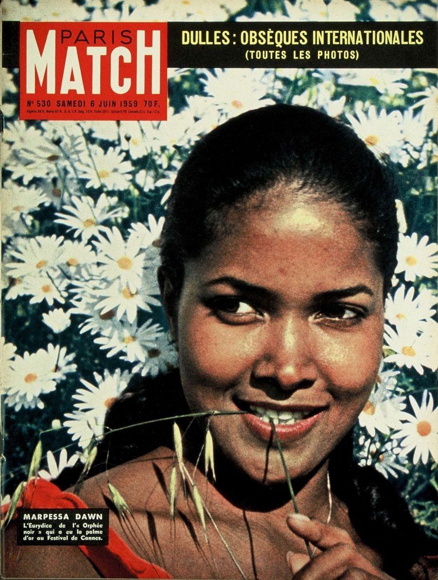 """""""Marpessa Dawn. L'Eurydice de l''Orphée noir' qui a eu la Palme d'Or au Festival de Cannes."""" - Paris Match n°530, daté du 6 juin 1959"""