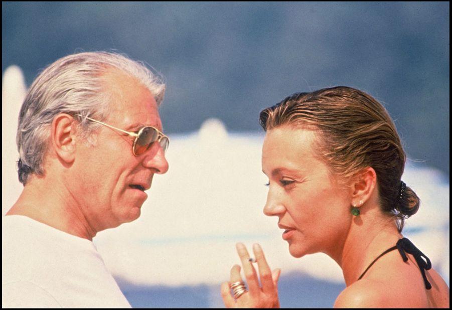 Caroline Cellier et Jean Poiret sur le tournage du film «L'année des méduses» à Saint-Tropez, été 1984.