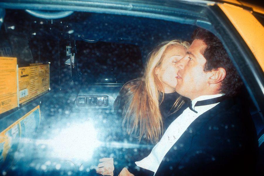 Carolyn Bessette Kennedy et John John, en mars 1996.