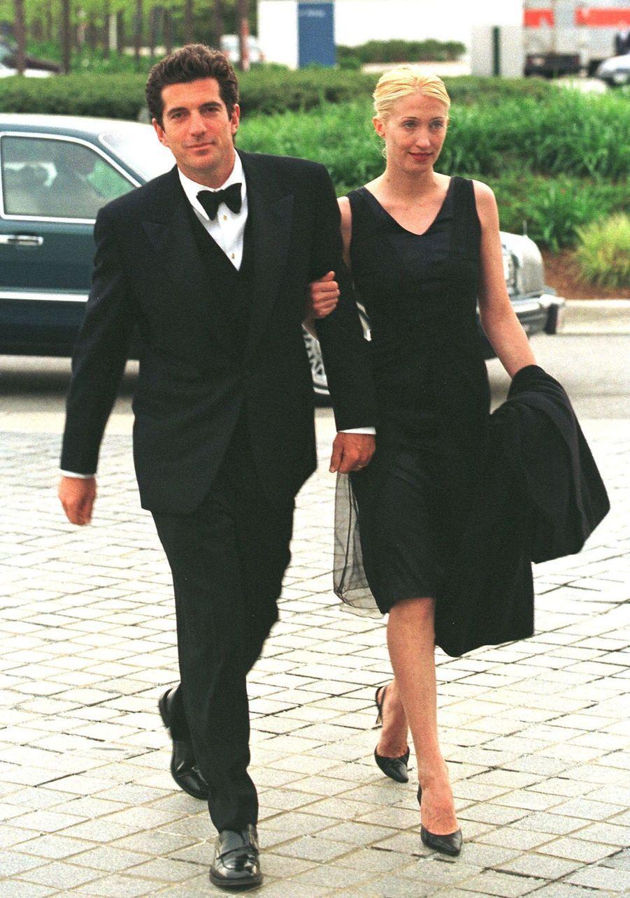 Carolyn Bessette Kennedy et John John, en mai 1997.