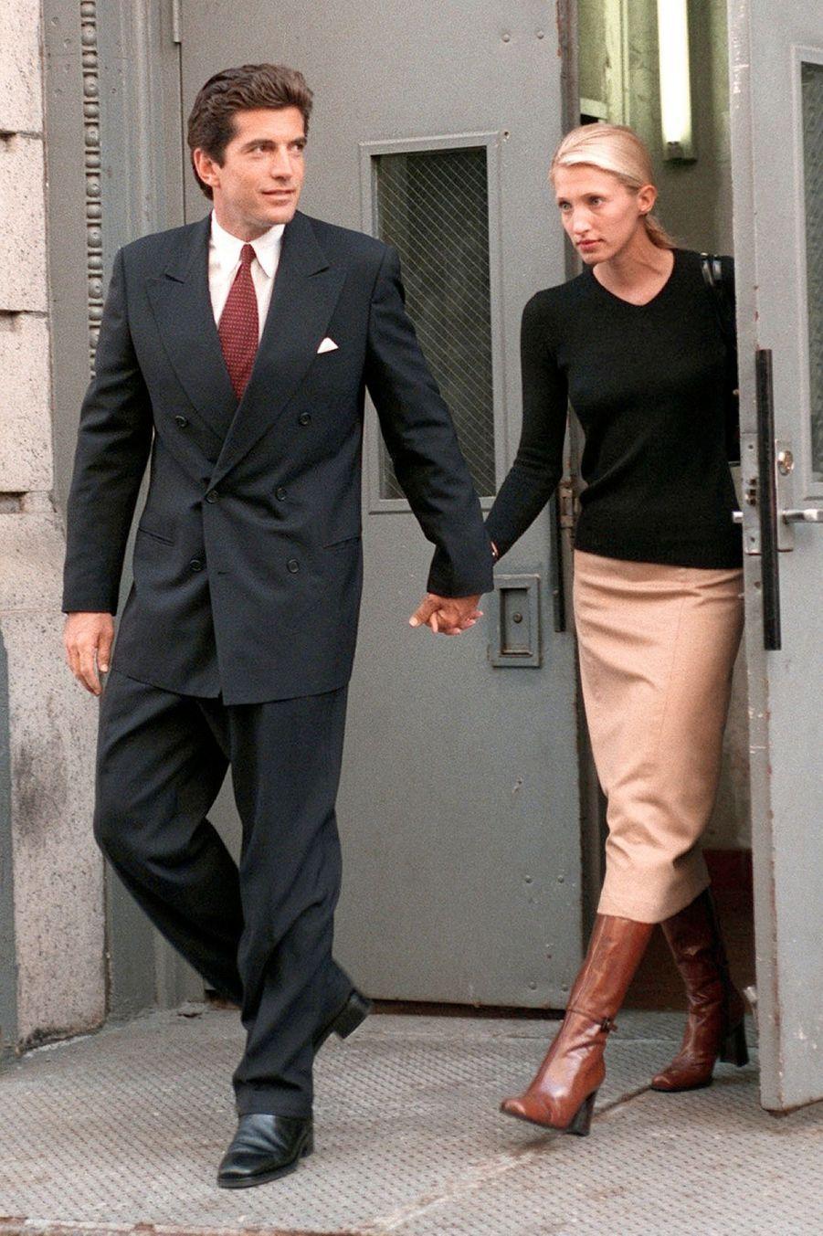 Carolyn Bessette Kennedy et John John, en juin 1996.