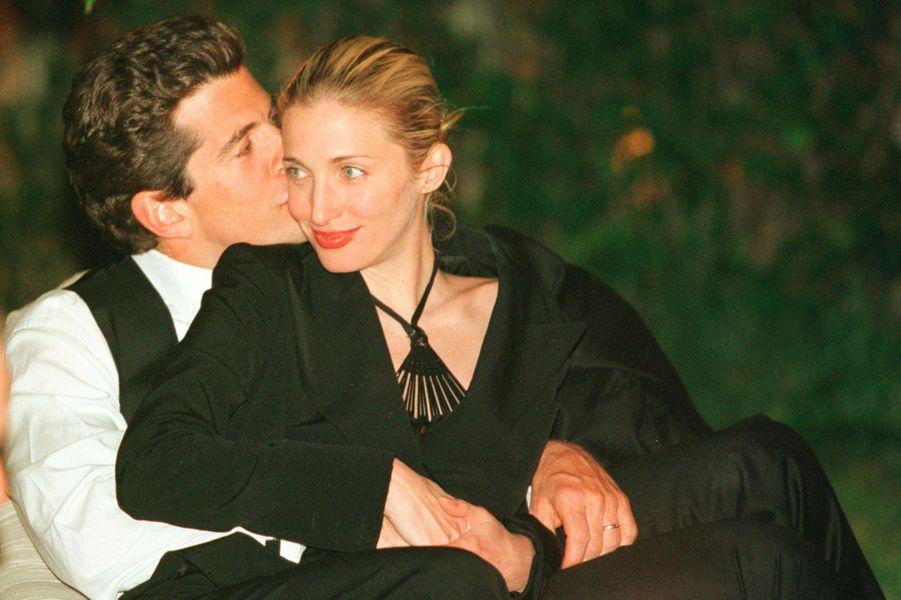 Carolyn Bessette Kennedy et John John, en mai 1999.