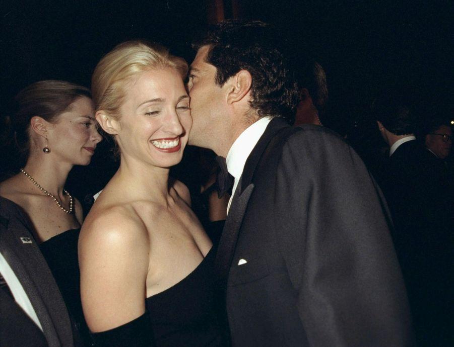 Carolyn Bessette Kennedy et John John, en octobre 1998.