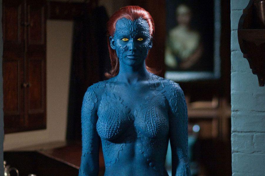 Ce personnage a demandé beaucoup d'heures de préparation à Jennifer Lawrence, oscarisée cette année pour «Happiness Therapy». Avant chaque journée de tournage, elle devait passer 7h dans la salle de maquillage pour devenir Mystique. Le résultat est réussi et l'effet est garanti.
