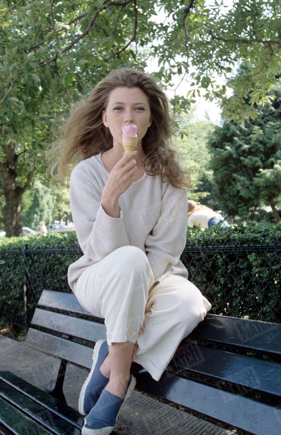 Cécile Bois, lors de son premier rendez-vous photo avec Match, réalisé en juin 1995.