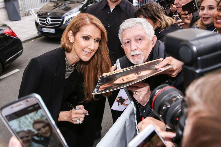 Céline Dion prend la pose pour ses fans