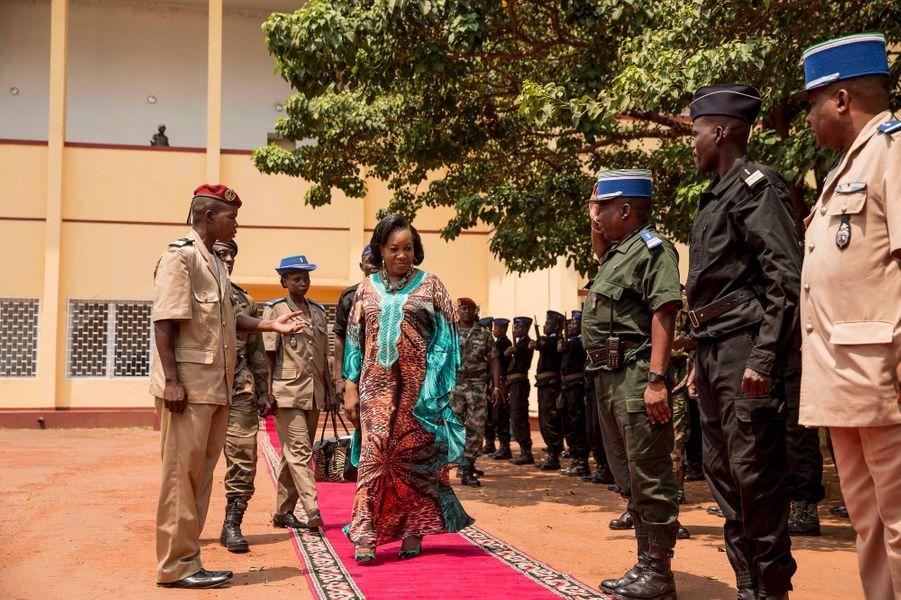 Samedi 15 février, à la sortie de l'Assemblée nationale, Mme Samba- Panza, présidente de transition de Centrafrique.