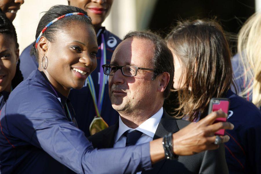 Selfie pour Muriel Hurtis et François Hollande