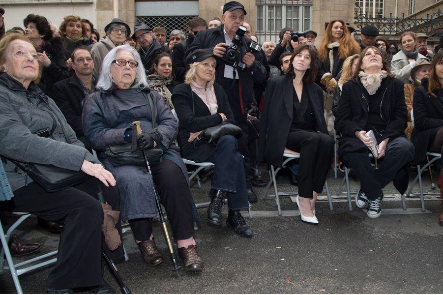 Jacqueline Gainsbourg et Liliane Gainsbourg (les soeurs de Serge Gainsbourg), la photographe Odile Montserrat, Charlotte Gainsbourg et sa mère Jane...