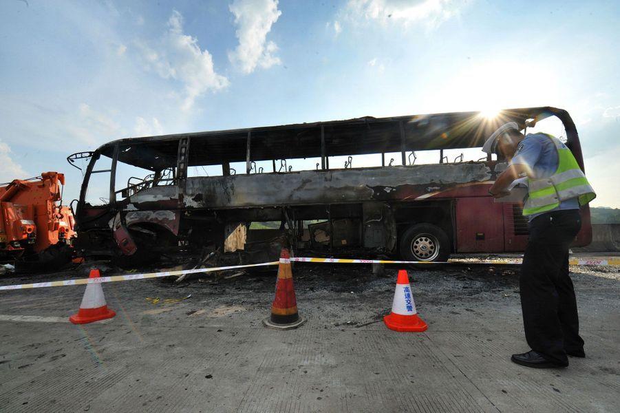 Chine : Un terrible accident de bus fait 35 morts